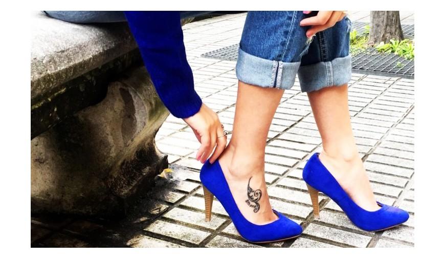 362e9600b zapatos azules el color de moda
