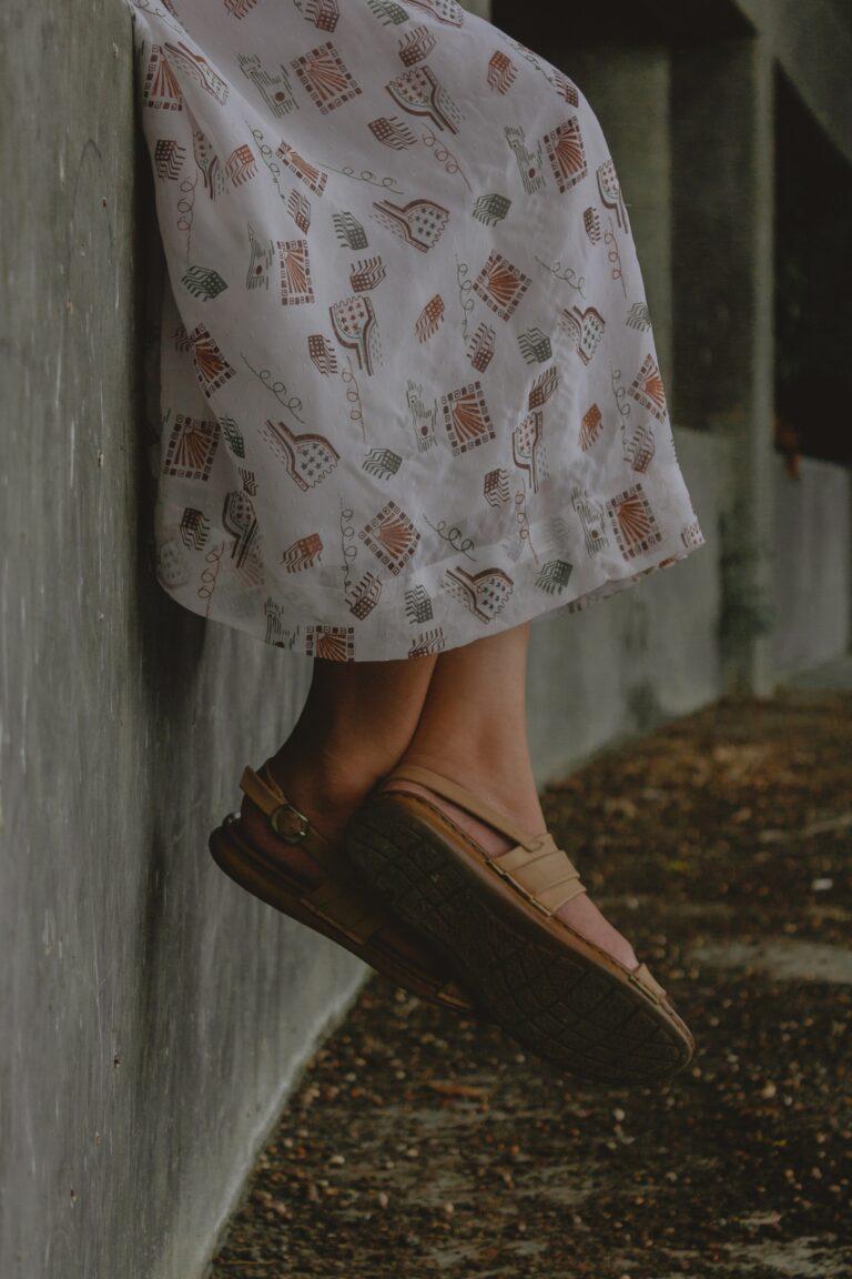 Cómo elegir los zapatos para una falda
